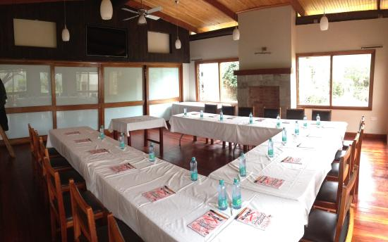 Amani Gardens Inn: Conference Room