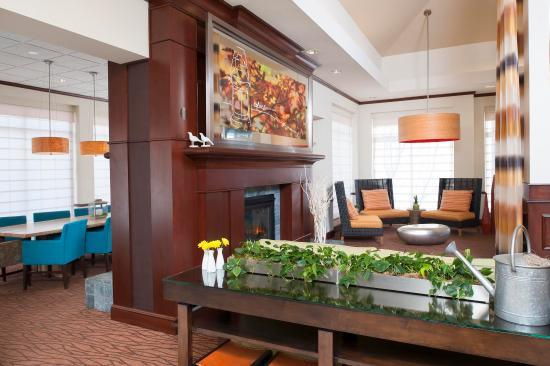 Hilton Garden Inn St. Paul/Oakdale - Lobby Lounge Entrance