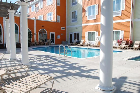 Hilton Garden Inn Lakeland: Outdoor Pool