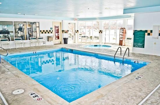 Hilton Garden Inn Cincinnati Northeast: Indoor Pool