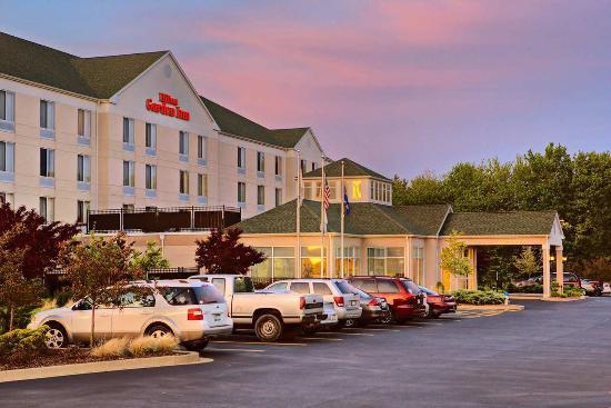 Hilton Garden Inn Springfield : Exterior