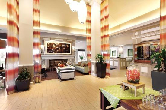 Hilton Garden Inn Bridgewater: Lobby