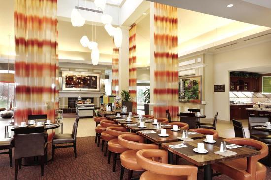 Hilton Garden Inn Bridgewater: Buffet Area