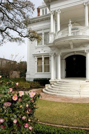 Hilton Garden Inn Lafayette/Cajundome: Majestic Plantation Homes