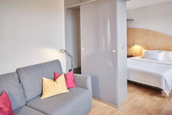 Hotel La Pergola : Sofa
