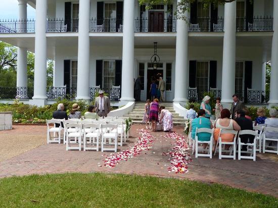 Dunleith: setting up for outside wedding