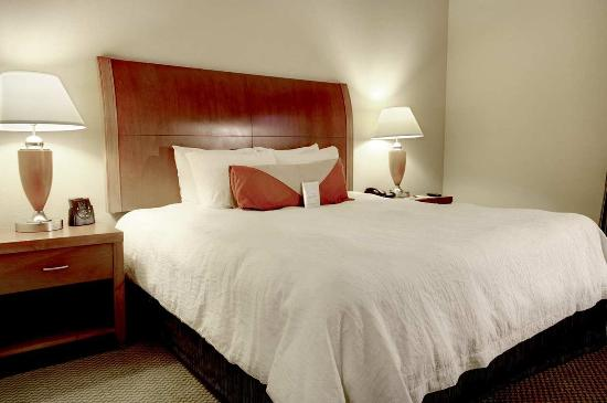 Hilton Garden Inn Jackson/Madison: King Bedded Guestroom