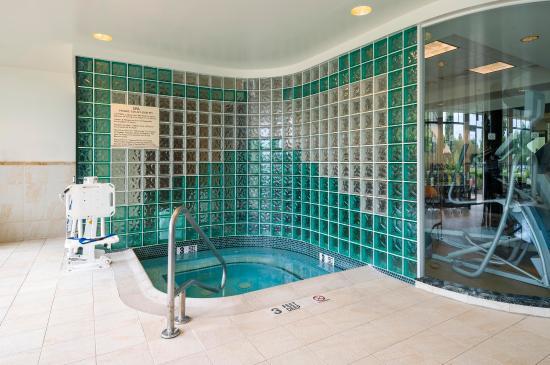 Glastonbury, CT: Indoor Whirlpool Spa