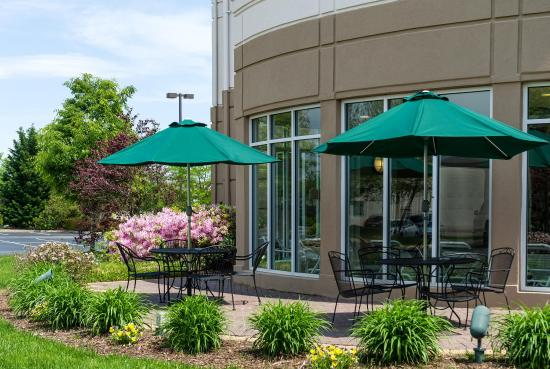 Hilton Garden Inn Newport News: Outside Pool Deck