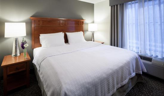 Agoura Hills, CA: King Suite Bedroom