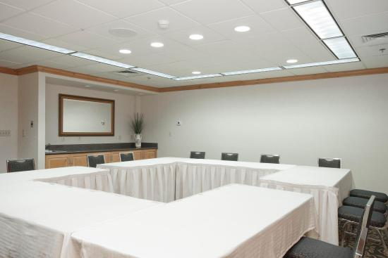 Homewood Suites by Hilton Boston-Peabody: Meeting Room