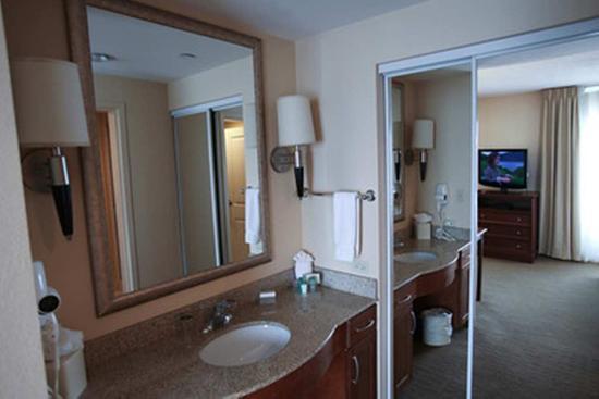 Orland Park, IL: Vanity Bathroom