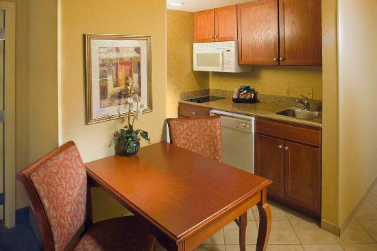 Homewood Suites by Hilton Asheville- Tunnel Road: Fully Equipped Kitchen