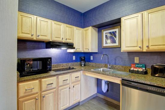 Stratford, CT: Two Bedroom Kitchen