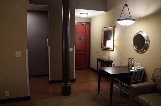 Homewood Suites by Hilton Indianapolis-Downtown: Studio Suite Entrance