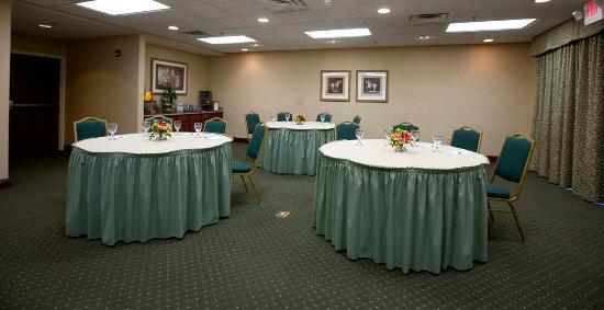 Homewood Suites by Hilton Lexington : Banquet Room