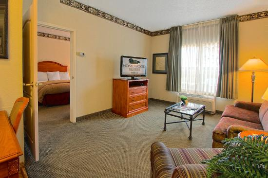 Plainfield, IN: King Suite