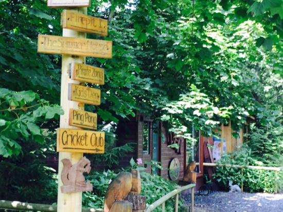 Cleveleymere The Lake House: Making sure you find your way