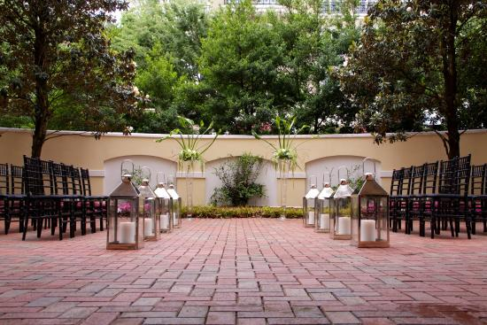 Hampton Inn & Suites Charlotte - South Park: Patio