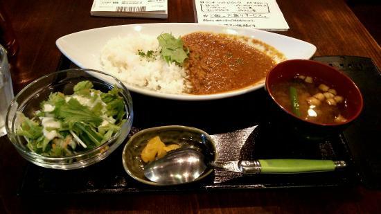 Minato-Machi Bar Bevitrice