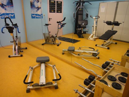 Aparthotel Dorfplatzl: Fitnessraum