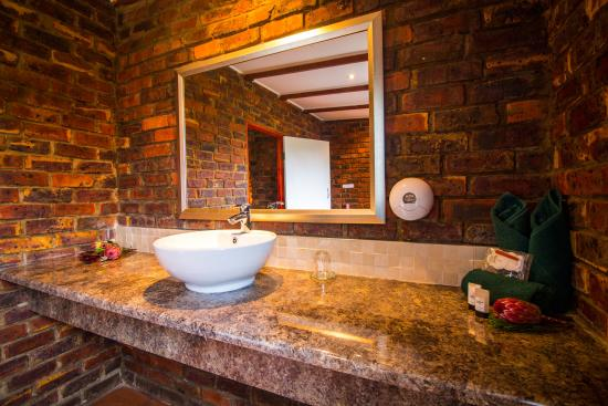 Storms River Guest Lodge: Bathroom