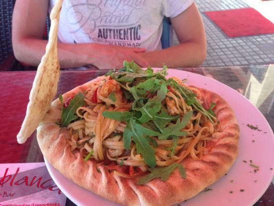 Bar Casablanca: puzza con espaguetis
