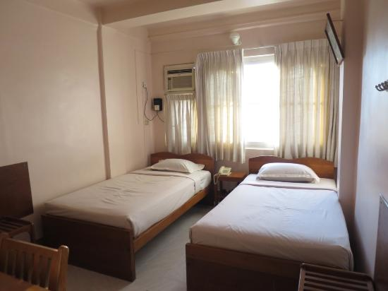 Hupin Hotel Nyaung Shwe Photo