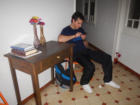 BCN eixample hostel: Sala de estar