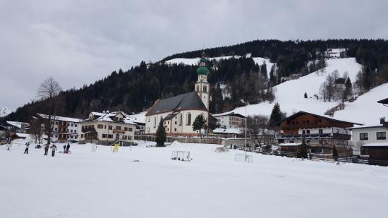 Wildschonau, Αυστρία: Hotel is just out of the shot to the left
