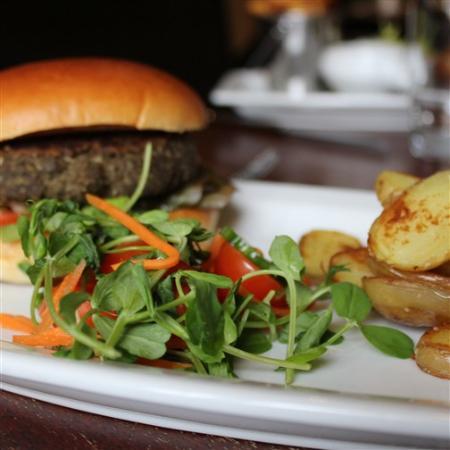 Easingwold, UK: Mushroom & Basil Pesto Burger