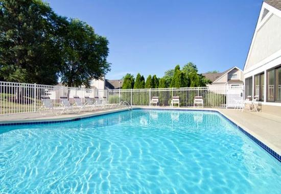 Richmond Heights, Миссури: Outdoor Pool