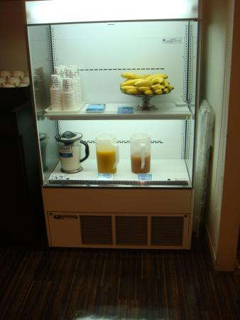 Comfort Hotel Naha Prefectural Office: local fresh fruit juice
