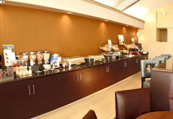 Southington, CT: Breakfast Buffet