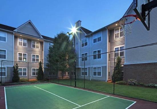 Southington, CT: Sport Court