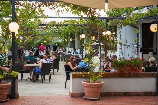 Hotel Garden Restaurant