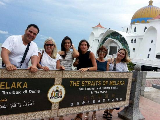 Travel Delightfully Malacca Day Tour