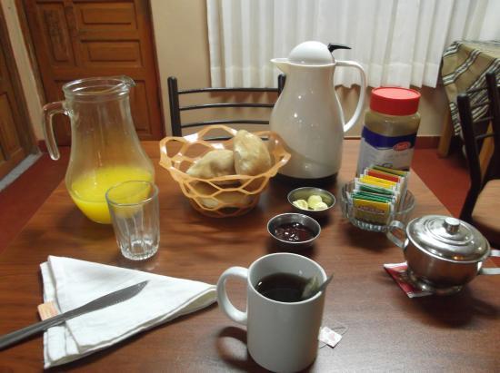 PACHA HOSTEL: Desayuno en el hotel, en el comedor