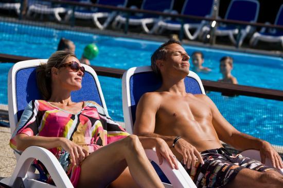 Buk, Hungria: Pool