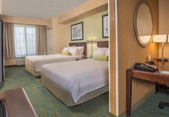 Prince Frederick, MD: Double/Double Bed Suite