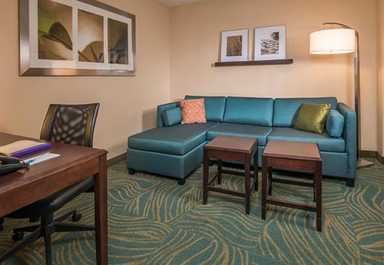 Prince Frederick, MD: Suite Living Area