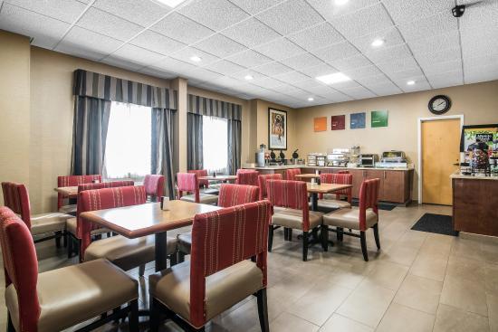 Rutland, VT: Breakfast Area