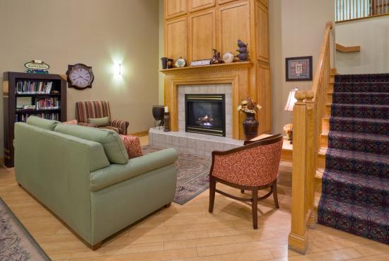 Cottage Grove, MN: CountryInn&Suites CottageGrove Lobby