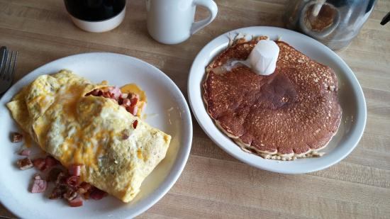 Mora, MN: Ham and Cheese Omelette and Pancake at Freddies!