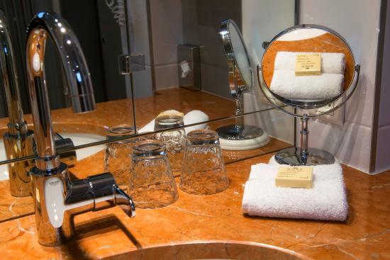 Hotel Cambon: Salle de bainh
