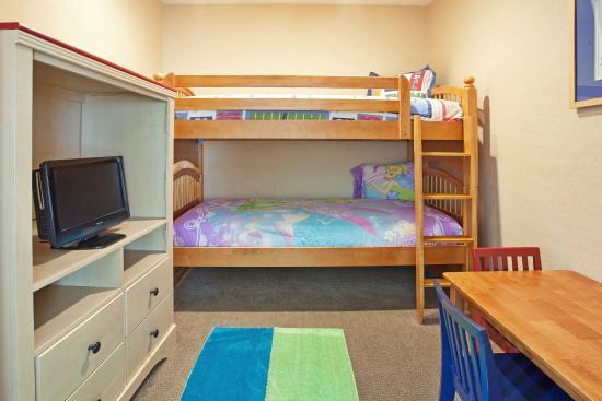 Nogales, AZ: Kids Suite