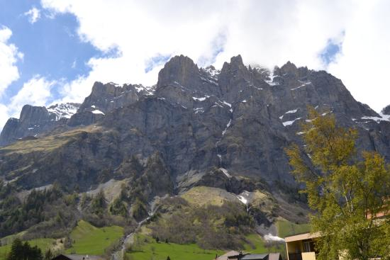 Hotel dala : Aussicht auf die Berge vom kleinen Zimmerbalkon