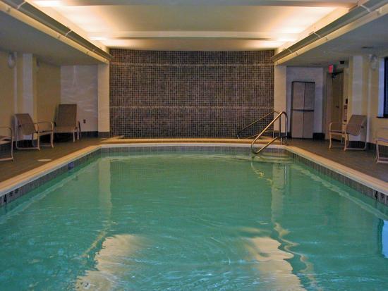 Victor, estado de Nueva York: Indoor Pool & Hot Tub