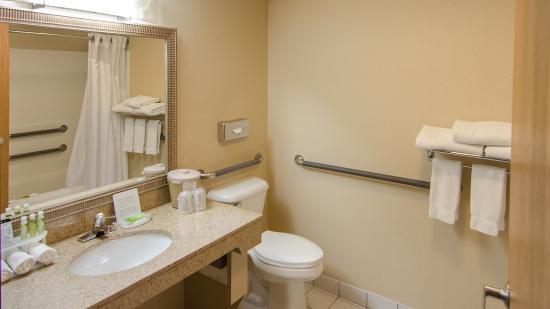Sturtevant, WI: Bathroom Amenities