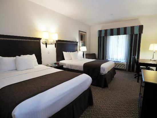 Canton Country Inn & Suites Two Queen Beds